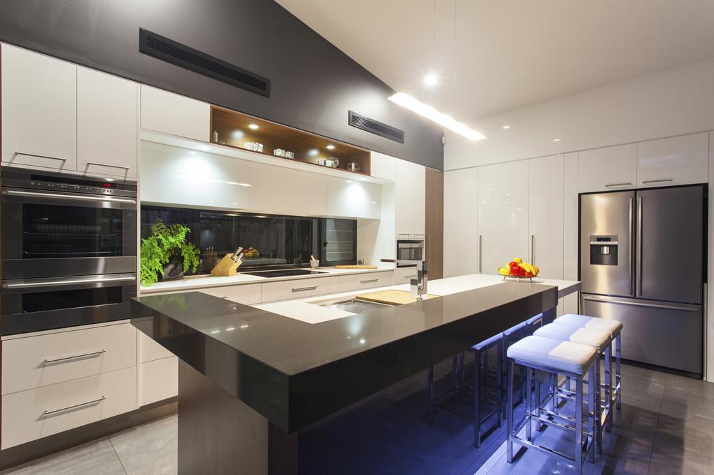 kosten sparen bei k hlschrank und co. Black Bedroom Furniture Sets. Home Design Ideas